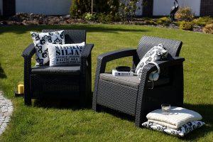 Wygoda ponad wszystko, czyli jakie poduszki sprawdzają się najlepiej na meblach ogrodowych?