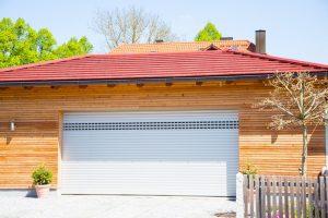 Ile warta jest dobra brama garażowa?